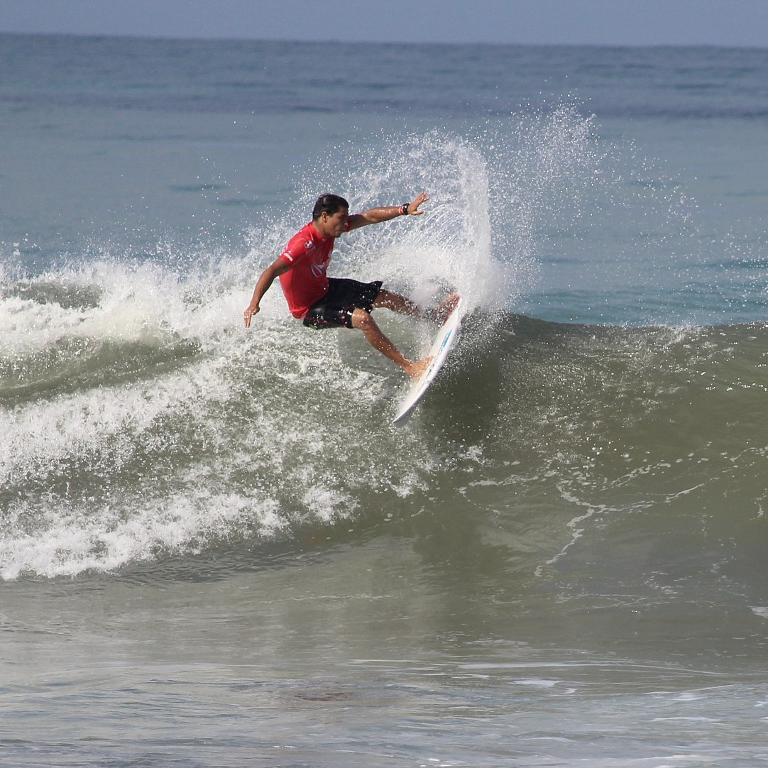 Surfing Playa Jaco Day #1 ISA world Contest 2016 041