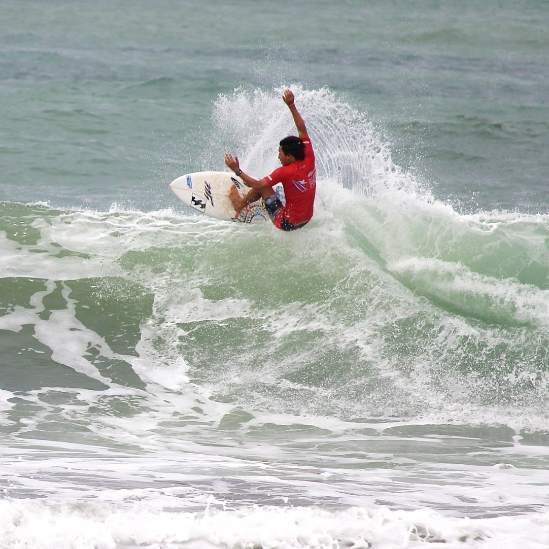 Surfing Playa Jaco Day #2 ISA world Contest 2016 057