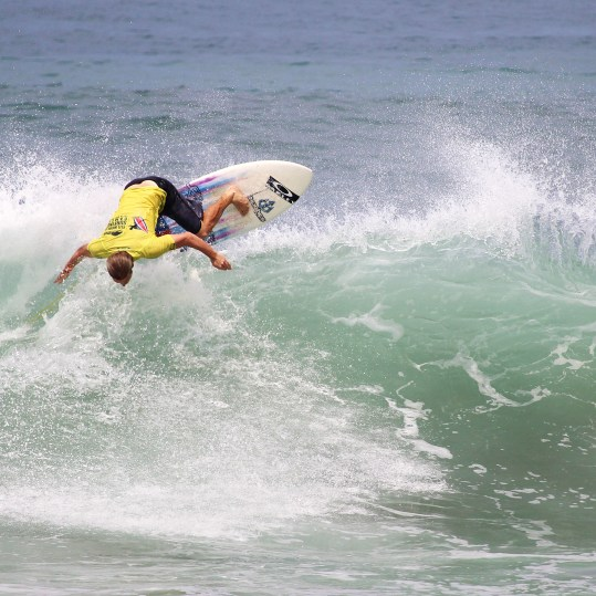 Surfing Playa Jaco Day #7 ISA world Contest 2016 047