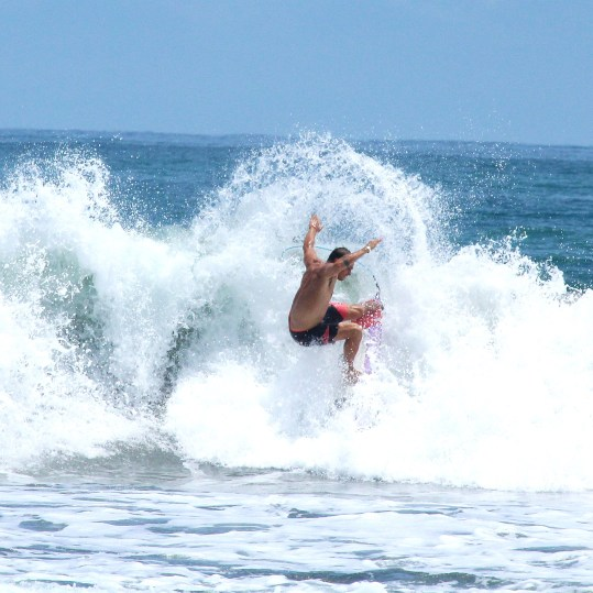 Surfing Playa Jaco pre ISA world Contest 2016 060